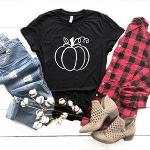 Tops - 🔥 FLASH SALE🔥 Black Fall Pumpkin Graphic T-Shirt